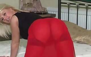 Sandra Masturbates