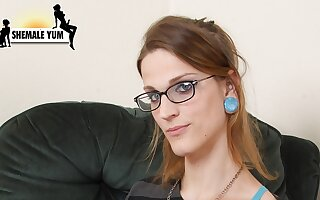 Horny Jessi Kirin - GroobyGirls